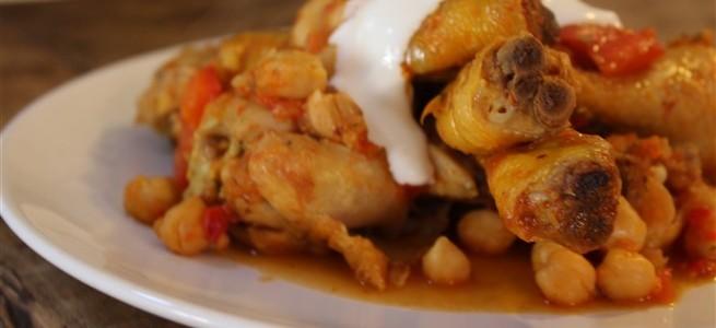 pukka gele curry met kip en kikkererwten