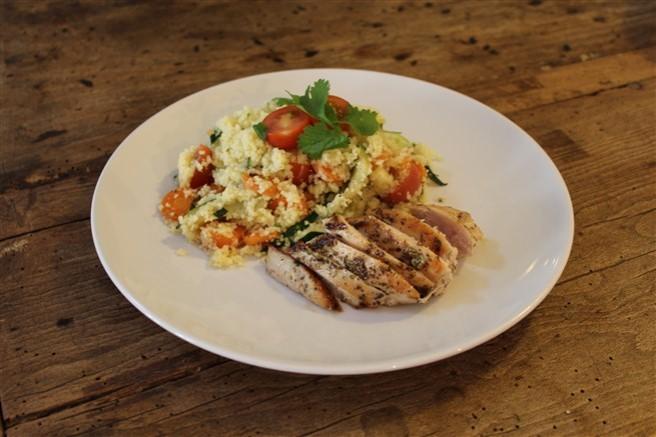 couscous salade met gegrilde kipfilet