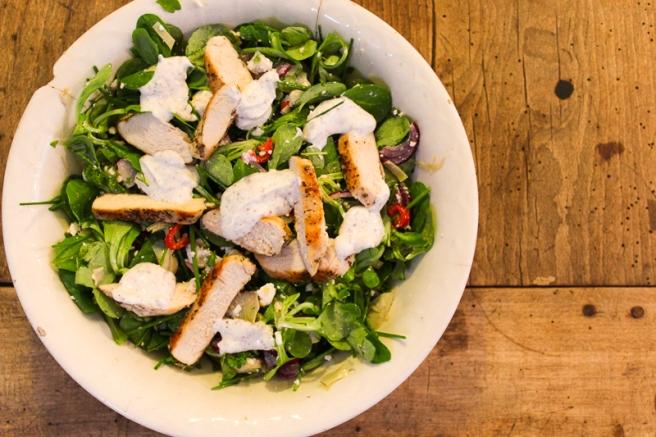 salade van kip met artisjok en yoghurtdressing