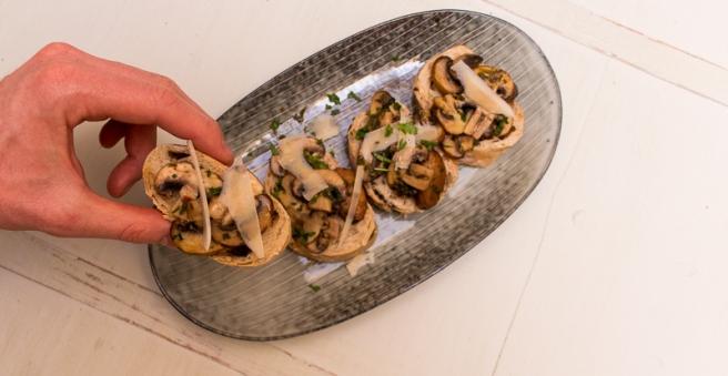 crostini met paddenstoelen