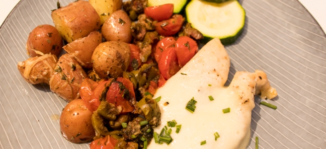 kipfilet met aardappeltjes, cherrytomaten en mozzarella