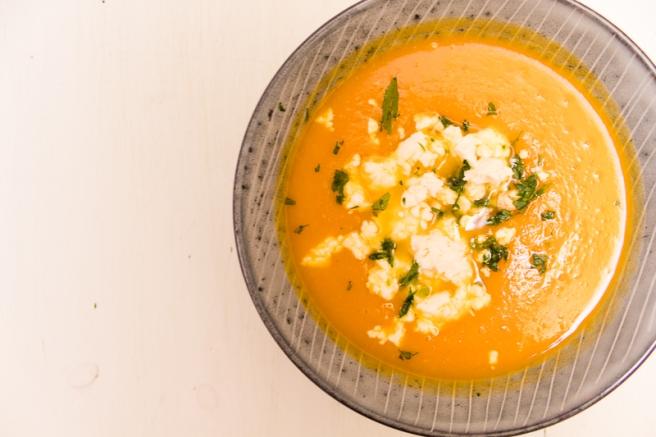 soep van zoete aardappel, pompoen en wortel