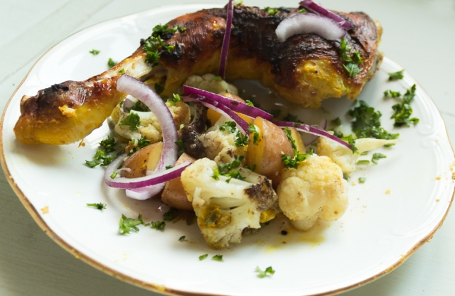 Indiase kip met bloemkool en aardappeltjes