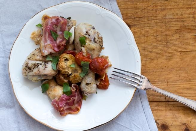 kip uit de oven met tomaatjes en spek